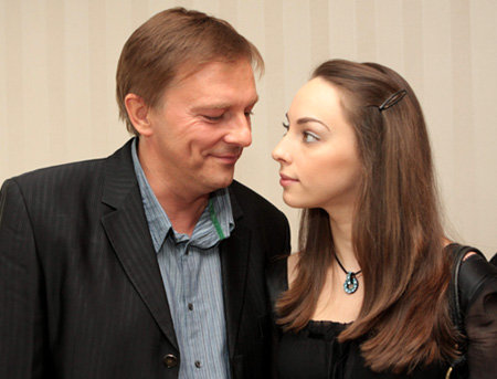 Алексей Нилов вывел в свет взрослую дочь.