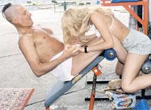 Бывшую жену сильный мужчина Джигурда легко склонял к взаимному удовольст