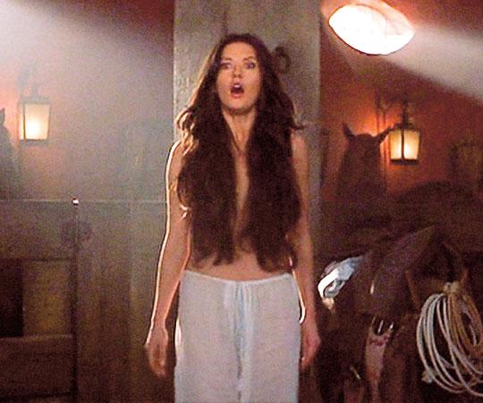 Из фильма зоро жена зоро голая жена