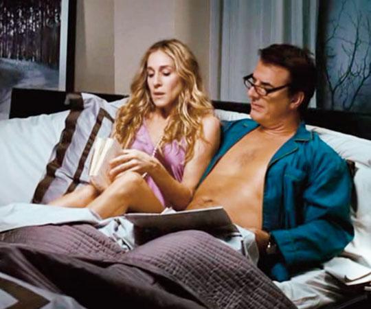 Секс сериал в постели четвером
