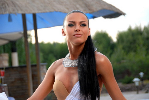 Катя Баженова сняла клип