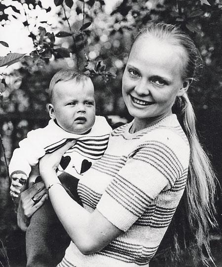 Наталья Белохвостикова: родители научили меня быть сильной