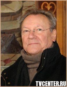 Сергей Шакуров не признаёт успехи Бузовой и Кузи из «Универа»?