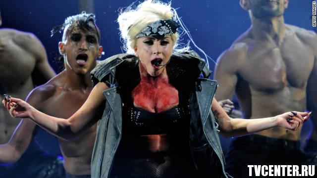 Леди Гага пошла на врага