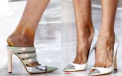 Модная обувь травмирует моделей