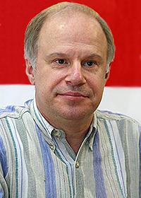 Актер театра и кино Авангард Леонтьев отмечает юбилей