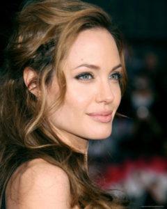 Анджелина Джоли заколдует принцессу на сто лет беспробудного сна