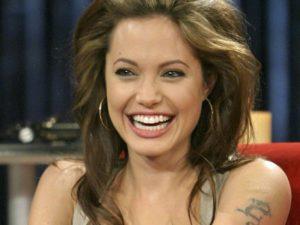 Анджелина Джоли предстанет в образе злой королевы летом