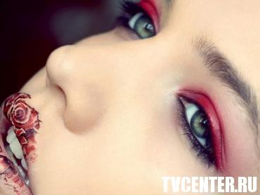 Актуальные тенденции моды макияжа весны-лета - 2012