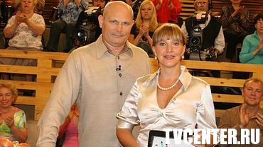 Елена Проклова бегает голышом по росе