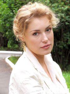 Мария Шукшина превратилась в колхозницу