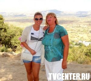 Анна Семенович отправила маму в Грецию