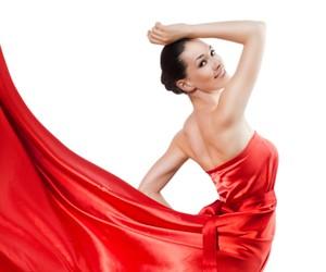Сезон ярких платьев открыт