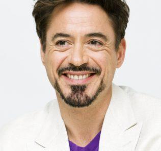 """""""Железный Человек"""" поможет компании HTC"""