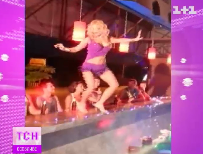 Татьяна Котова показала публично стриптиз в Тайланде (видео)