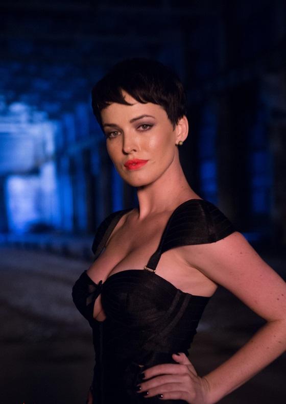 Дарья Астафьева сыграла в клипе роль коварной соблазнительницы