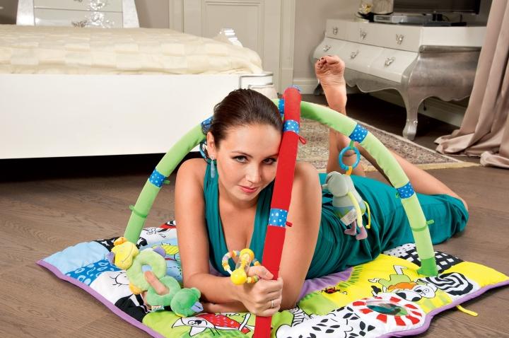 Ляйсан Утяшева недавно стала мамой