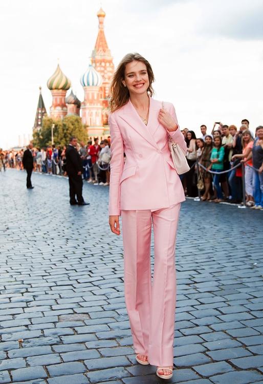 Наталья Водянова прилетела в Москву специально ради дефиле Модного дома