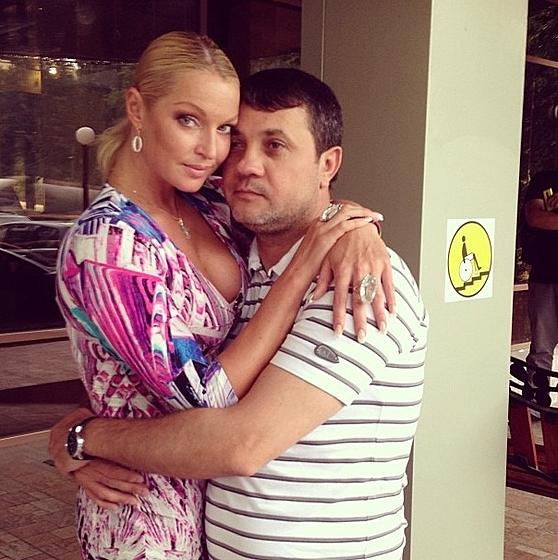 Анастасия Волочкова и Бахтияр Салимов отмечают свою первую дату