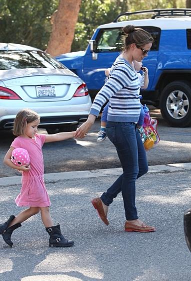 Дженнифер Гарнер беременная с детьми