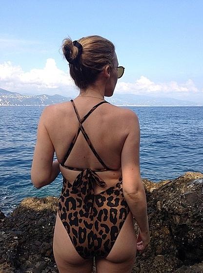 Кайли Миноуг показала свои фотографии в купальнике