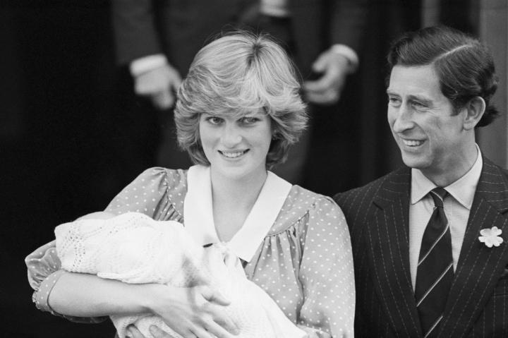 Подобный ажиотаж царил в Великобритании только когда принцесса Диана родила Уильяма
