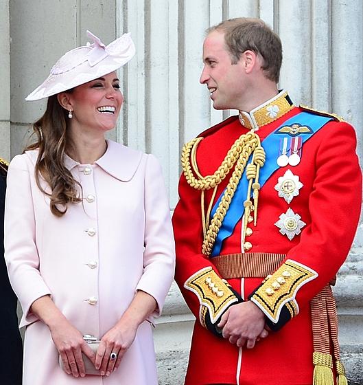 Кейт и Уильям стали родителями сына!