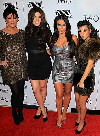 Ким Кардашьян с мамой Крис Дженнер и сестрами