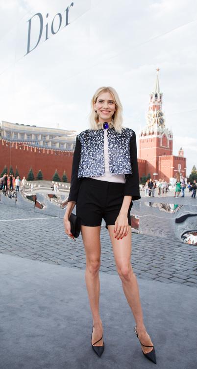 Елена Перминова, как и ее подруга Мирослава Дума, выбрала для выхода в свет Dior