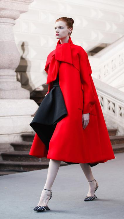 Для женственных А-образных и new look силуэтов, традиционных для Dior, место останется всегда