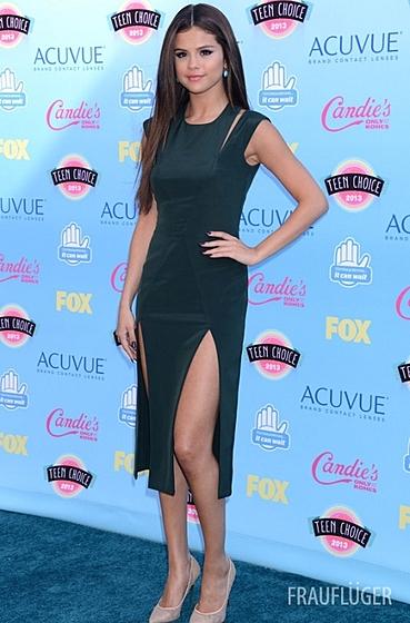 Селена Гомес и другие молодые звезды на премии Teen Choice Awards