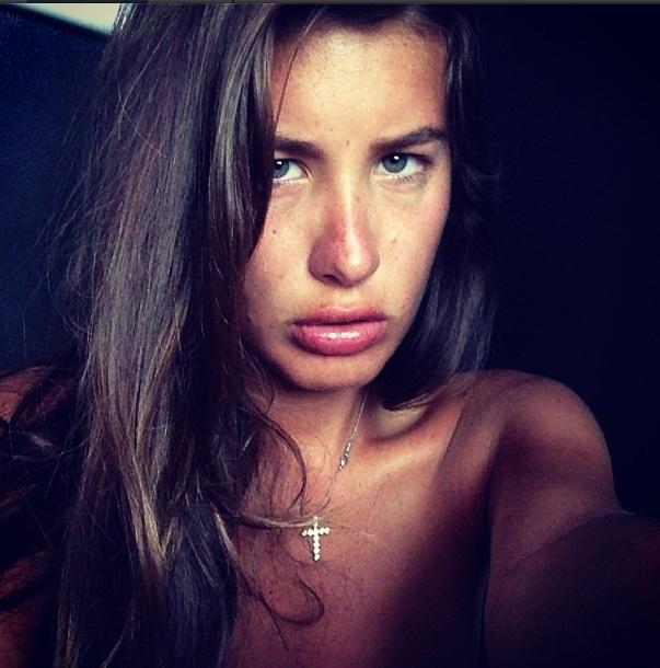Кэти Топурия без макияжа