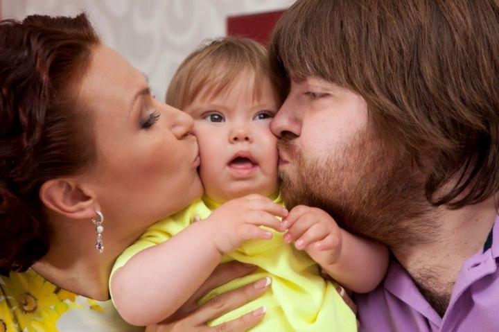 Эвелина Бледанс с сыном Семой и мужем Александром