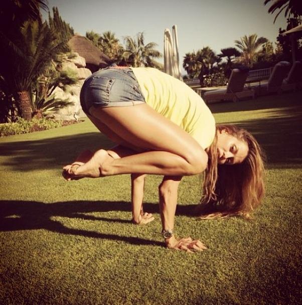 Еще одно увлечение Бони - йога
