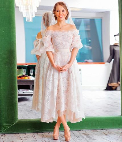 Ксюша Собчак показала, как выглядела на своей свадьбе