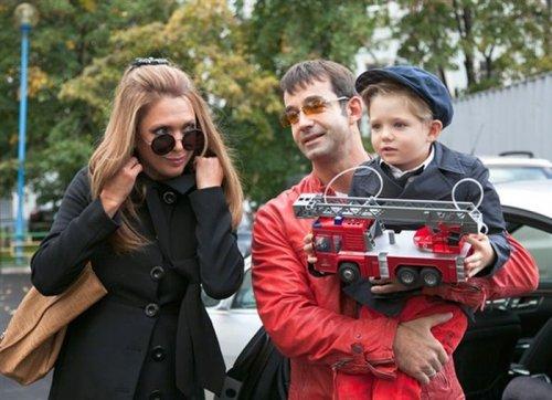 Ольга Дроздова и Дмитрий Певцов с сыном.
