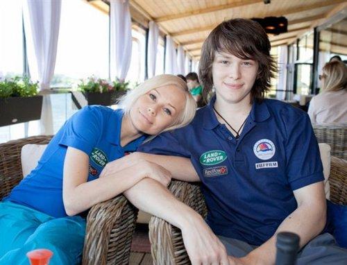 Елена Корикова с сыном.