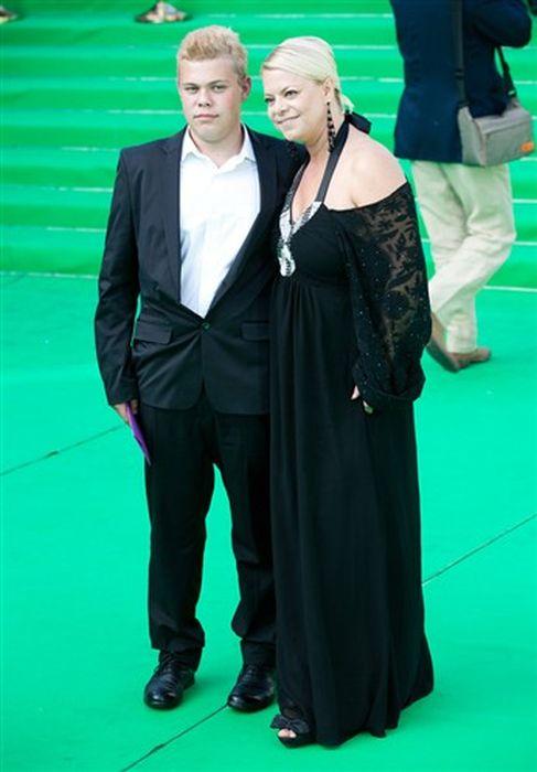 Яна Поплавская с сыном.