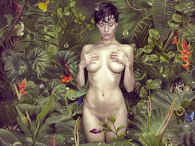 Даша Астафьева похвасталась очередными эротическими фото