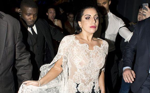 Леди Гага опровергла слухи о своей беременности