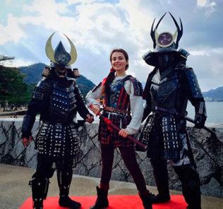 Сати Казанова путешествует по Японии