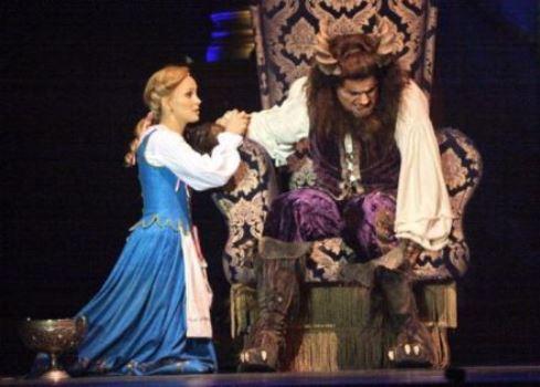 """На сцене. Мюзикл """"Красавица и чудовище"""""""