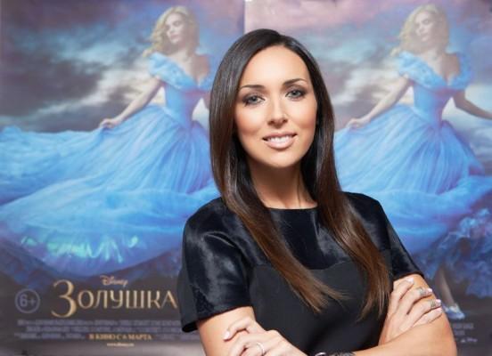 """Алсу исполнила главный саундтрек к фильму """"Золушка"""""""
