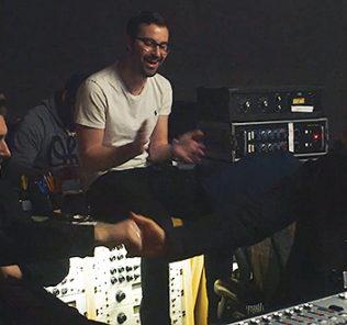 Джон Ледженд и Сэм Смит записали благотворительную песню