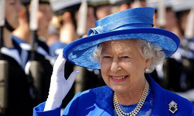 Звезды отмечали день рождения королевы Англии в BeautyBar