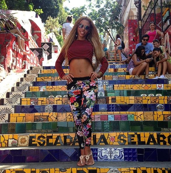 Певица Габриелла показала Рио-Де-Жанейро своей семье и записала новый сингл