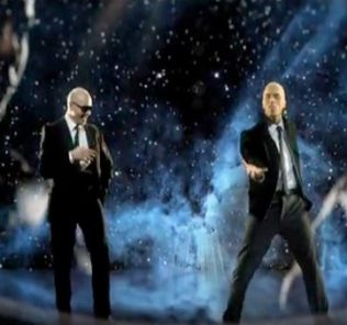 Pitbull, Крис Браун и Fifth Harmony на сцене Billboard