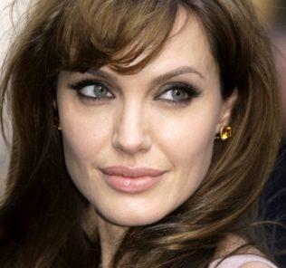 Анджелине Джоли сегодня 40 лет