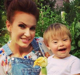 Эвелина Блёданс судится с информагентством из-за оскорбления сына