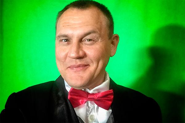Степан Меньшиков изменяет своей жене с мужчинами